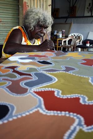 Phyllis Ningarmara painting. Image courtesy of Waringarri ArtsSMALL