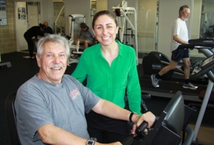 Senior Research Fellow Prue Cormie from Edith Cowan University Health and Wellness Institute with participant Gerd Schmidt.