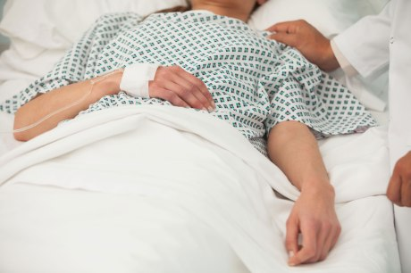 Woman-in-Hospital_ThinkstockPhotos-159030494